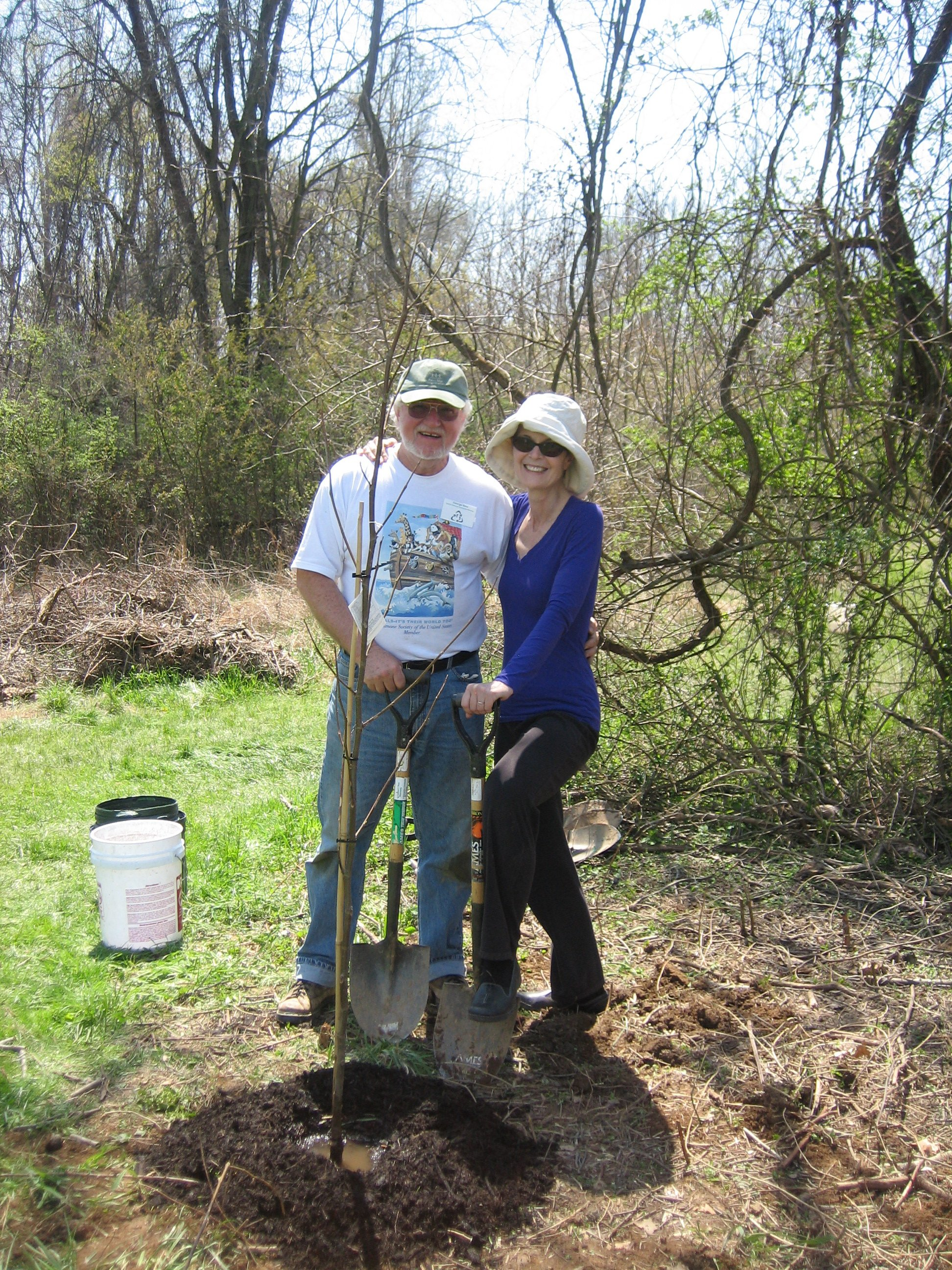 SGCPC volunteers lead the native tree planting activities